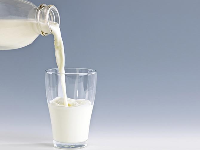 Nhầm tưởng uống sữa tươi thường xuyên tốt cho dạ dày